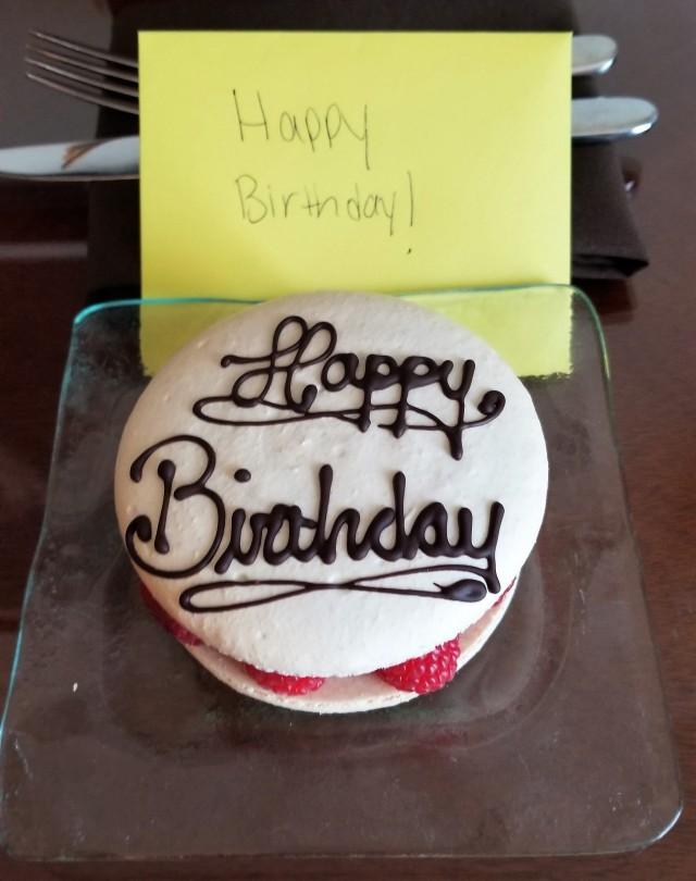 birthday Macaron